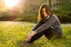 Porträt des Mädchens in der Natur Stockbild