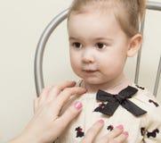 Porträt des Mädchens von 2-Jährigen. Lizenzfreies Stockbild