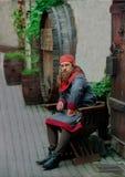 Porträt des Mannes im Mittelalterstoff Lizenzfreies Stockbild
