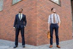 Porträt des multi ethnischen Geschäftsteams Lizenzfreie Stockbilder