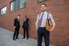Porträt des multi ethnischen Geschäftsteams Stockfotografie