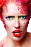 Porträt des schönen Mädchens mit heller Make-upnahaufnahme Lizenzfreies Stockfoto