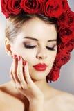 Porträt des schönen Mädchens mit perfektem Make-up Lizenzfreies Stockbild