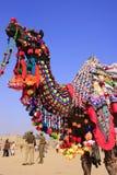 Porträt des verzierten Kamels am Wüsten-Festival, Jaisalmer, Indien Lizenzfreies Stockfoto
