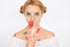 Porträt des weiblichen Malers Stockfoto