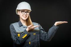 Porträt einer Arbeitnehmerin Stockfotos