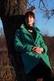 Porträt einer Frau in ¾ Ñ Ñ- Ñ 'уÐ'еÐ-½ Ð ½ ую Ð  Ð?Ð ½ Ð ½ ию Wetter Stockfotos