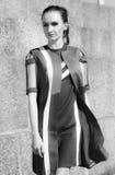 Porträt einer Frau auf der Straße stockbilder