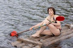 Porträt einer Frau im Sommer lizenzfreie stockfotos