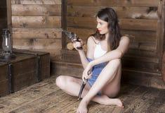 Porträt einer Frau mit dem langen flüssigen Haar stockbilder