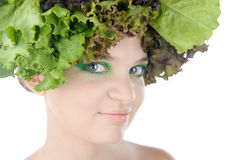 Porträt einer Frau mit Salat in gehabt getrennt auf klarem weißem Hintergrund lizenzfreie stockfotografie