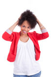 Porträt einer schönen Afroamerikanerfrau Lizenzfreie Stockbilder
