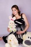 Porträt einer schönen schwangeren Frau Stockbilder