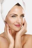 Porträt einer Schönheit, die Badekur genießt Lizenzfreies Stockbild
