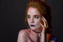 Porträt einer Schönheit mit einer kreativen Art Lizenzfreie Stockfotografie