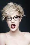 Porträt einer Schönheit mit sauberer Haut lizenzfreies stockfoto