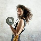 Porträt eines dünnen Bodybuilders stockfotografie