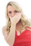 Porträt eines erschrockenen und entsetzten Mädchens, welches die Kamera betrachtet Lizenzfreie Stockfotos