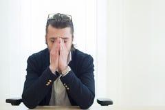 Porträt eines Geschäftsmannes frustriert stockbild