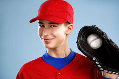 Porträt eines jugendlich Baseball-Spielers Stockfotos