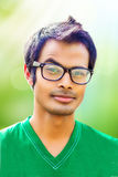 Porträt eines lernbegierigen Kerls Lizenzfreie Stockfotografie