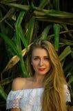 Porträt eines Mädchens mit grünen Augen Lizenzfreies Stockfoto