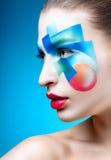 Porträt eines Mädchens mit kreativem Make-up Stockfoto