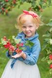Porträt eines netten kleinen Pin-up-Girl Lizenzfreie Stockbilder