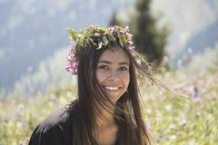 Porträt eines netten lächelnden Mädchens Stockfotos
