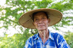 Porträt eines nicht identifizierten birmanischen Landwirts in Bagan, Myanmar Lizenzfreie Stockfotos