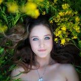 Porträt eines schönen jungen Mädchens Stockfotografie