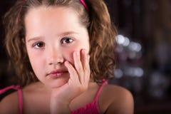 Porträt eines schönen jungen Mädchens Lizenzfreie Stockfotografie
