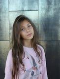 Porträt eines schönen kleinen Mädchens Stockfotografie