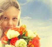 Porträt eines schönen kleinen Mädchens Lizenzfreie Stockfotos