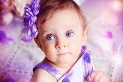 Porträt eines schönen Mädchens Stockbilder