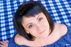 Porträt eines schönen Mädchens 25 Jahre alt Lizenzfreie Stockfotografie
