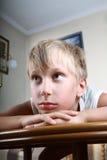 Porträt eines schönen traurigen Kindes Stockfotografie