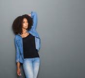 Porträt eines schwarzen weiblichen Mode-Modells Stockbilder