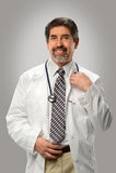 Porträt hispanischen Doktors Smiling Lizenzfreies Stockfoto