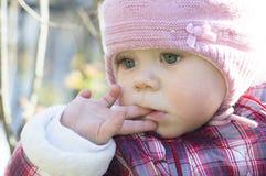 Porträt im Freien des Babys Stockfotografie