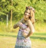 Porträt im Freien des Mädchens von 14 Jahren alt Lizenzfreie Stockfotos