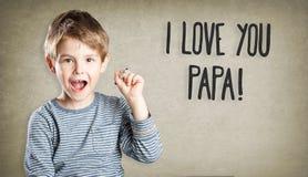 Porträt, Junge, Stift, Vatertag, ich liebe dich Papa Lizenzfreie Stockfotografie