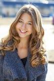Porträt nah oben vom jungen schönen Mädchen Stockfotografie