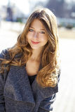 Porträt nah oben vom jungen schönen Mädchen Lizenzfreie Stockbilder