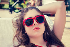 Porträt nah oben von einem hübschen Mädchen Lizenzfreie Stockfotos