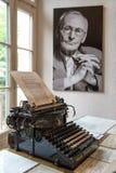Porträt und ursprüngliches Schreibmaschine Herman Hesse-Museum lizenzfreie stockbilder