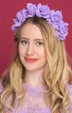 Porträt von Blondinen eines jungen Mädchens Stockfotografie