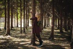 Porträt von Blondinen im Sommerkleid Lizenzfreie Stockbilder