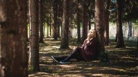 Porträt von Blondinen im Sommerkleid Stockfoto