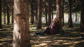 Porträt von Blondinen im Sommerkleid Lizenzfreies Stockfoto